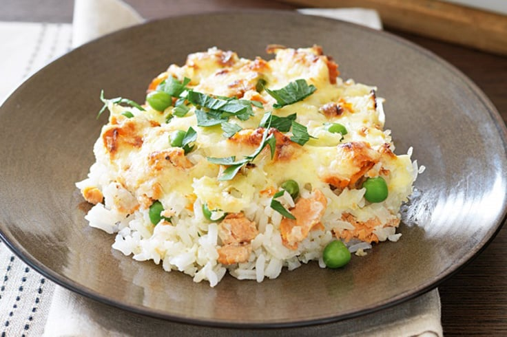 cheese-and-salmon-baked-in-rice