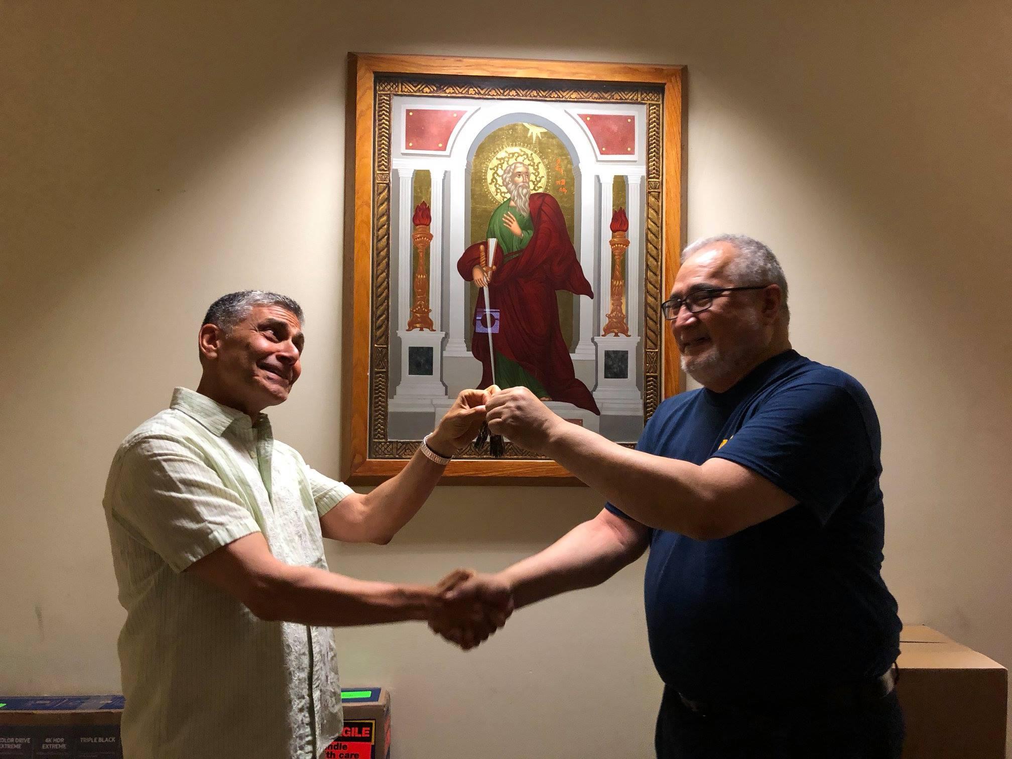 fr-gil-hands-keys-to-st-pauls-to-fr-joe-june-29-2018
