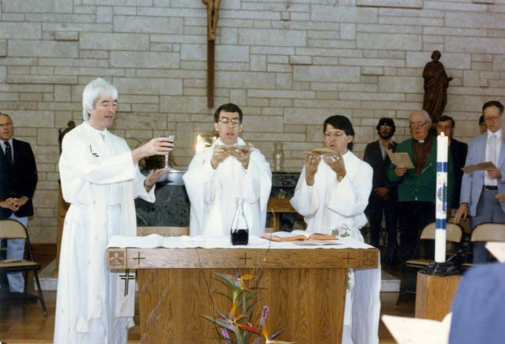 fr-_steve_bossi_first_mass_at_mount_paul_with_jim_young